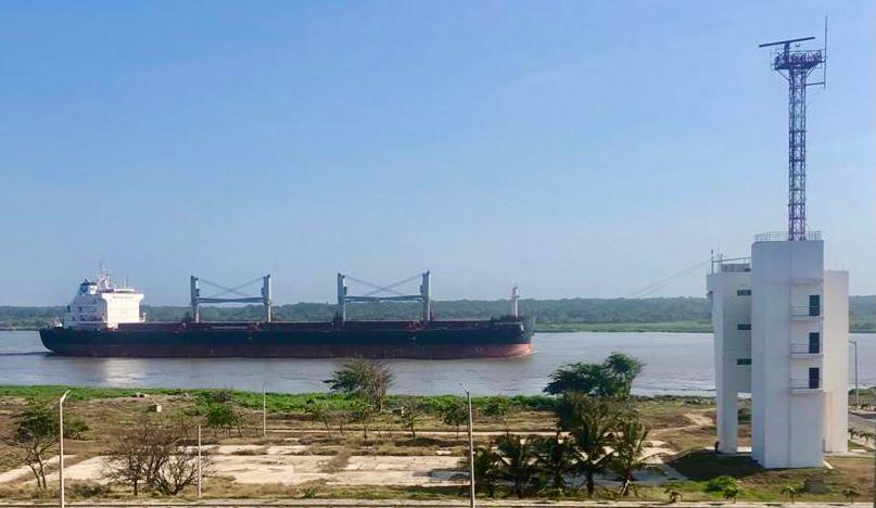 Transporte fluvial de carga